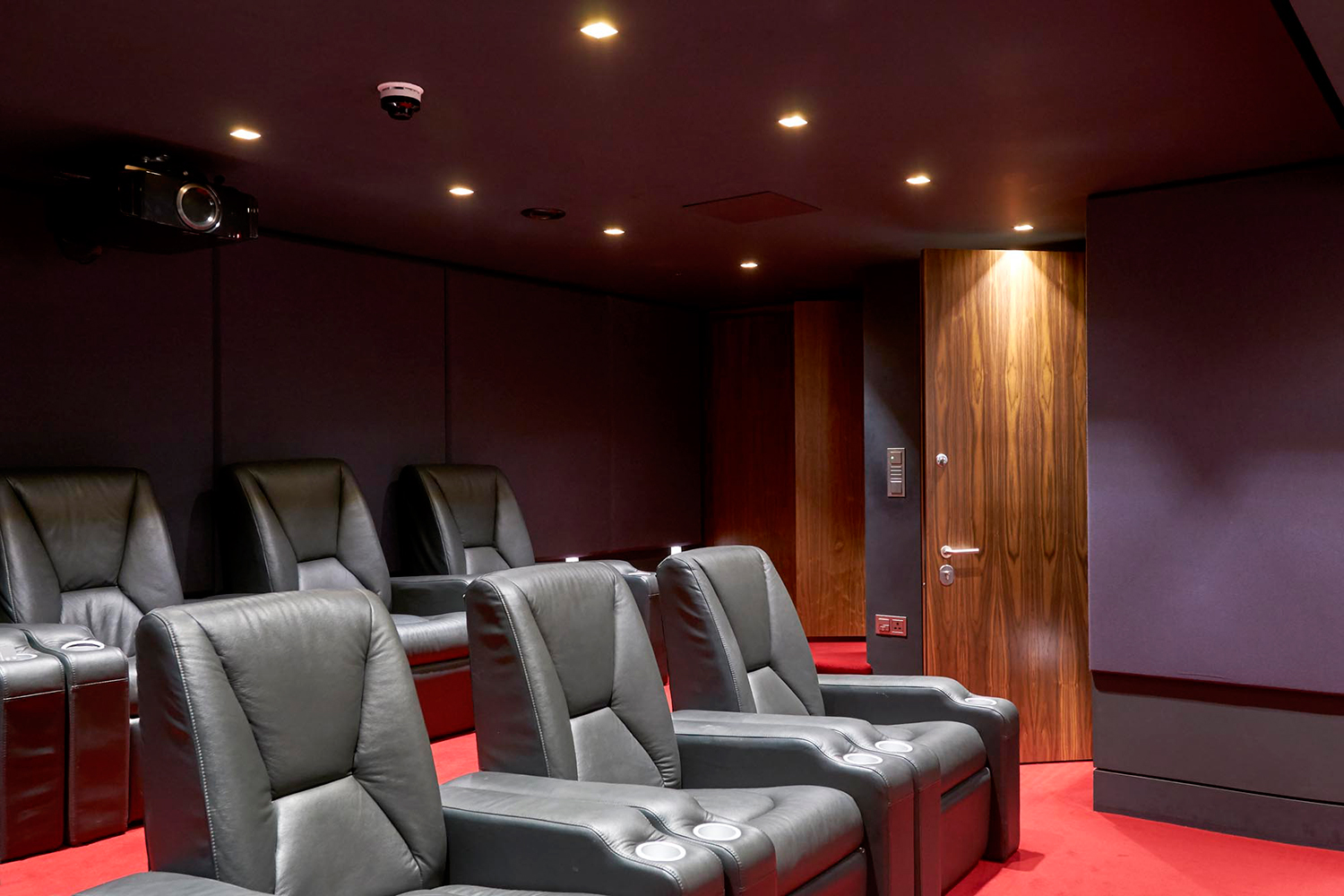 Cinemas & Games Room