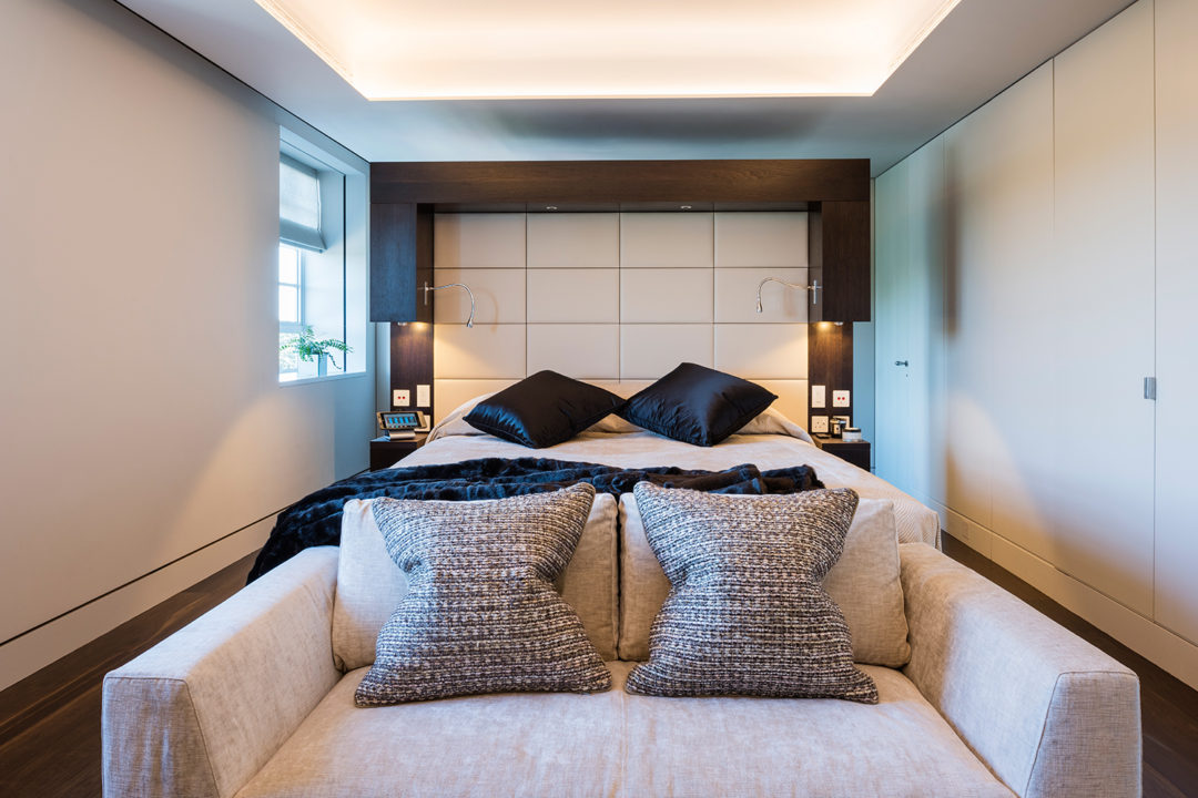 Minimalist Bedroom | Knightsbridge